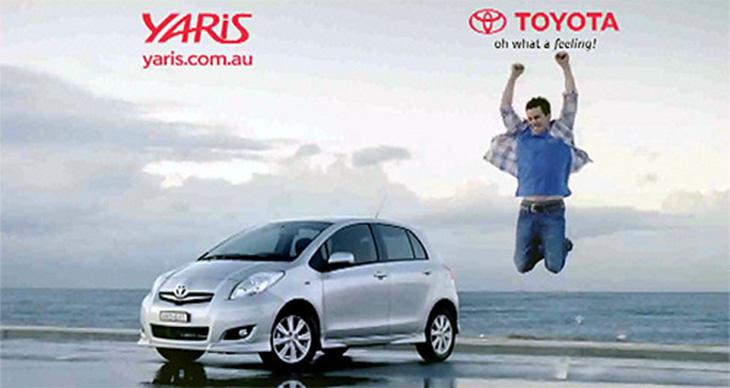 toyota yaris reklamı, araba ve zıplayan adam