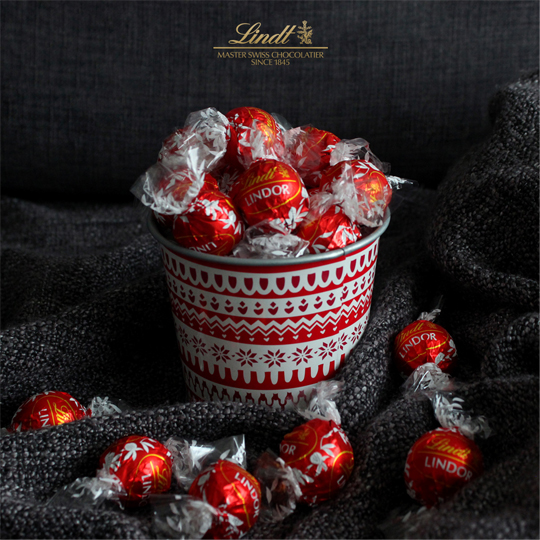 social media photoshoot, lindors in a bowl